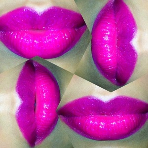 Lip liner: Magenta Lipstick: Rebel  Dazzleglass: Funtabulous