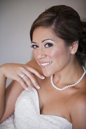 http://leadingladymakeup.com/2011/06/17/my-diamonds-pearls-bride/