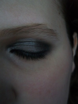 Simple night time/ after school look (Keeping the makeup used in the day time look, just darkened up)
