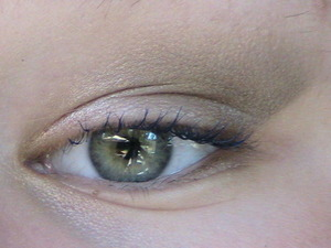 A look I did using the L'Oreal Hip eyeshadow duo in Darkwave and a piece of tape :D