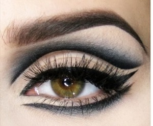 Intricate  cat eyes