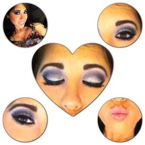 Dramatic eyes will get you hypnotized <3 @ashley_brooke_beauty #purpleeyes#eyeshadow#dramaticeyes#smokeyeyes#purplrandblackeyeshadow#cateye#thickeyelashes