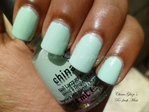 I absolutely love mint nail polishes and Re-fresh Mint is my fav!