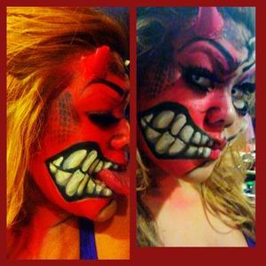 SHE-DEVIL HALLOWEEN LOOK