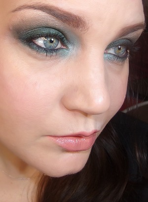 The Hobbit Movie Look Inspired by Mirkwood Ft. The Coastal Scents Mirage Palette Video will be up soon! https://www.youtube.com/channel/UCKqUk6Yr2rYRc0PGv8W3vrA?feature=watch