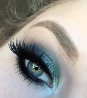 This is the FIRST time I used MUG Mermaid and I think  the results turned out well :) For full in depth details check out my blog! http://theyeballqueen.blogspot.com/2015/10/mermaid-eyes-makeup.html