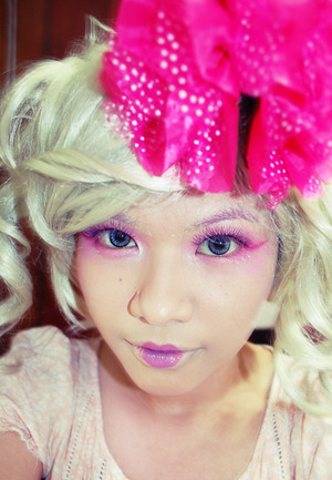 Effie Trinket of The Hunger Games inspired make up. A look for a capitol.
