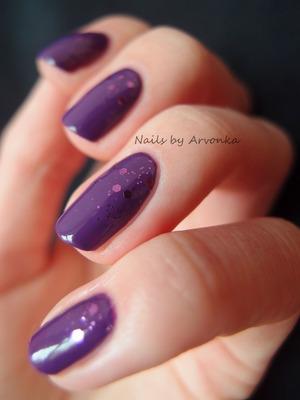 http://arvonka-nails.blogspot.sk/2013/04/fuchsia-dazzle.html