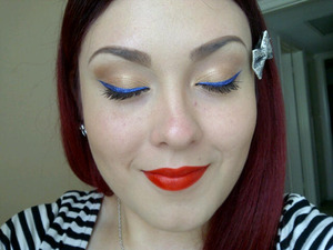 I really wanted to show you all how beautifully the eye shadow compliments the bright blue eyeliner. 