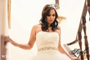 Just loved the way that she look on her special day. So simply and romantic. Hope that you like it!