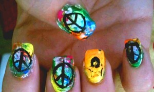 Tie dye and Jim Morrison nails
