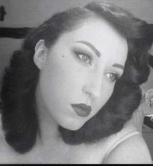 pincurls and glam makeup