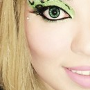 Green 24 Hr Eye Shadow And Reuseable