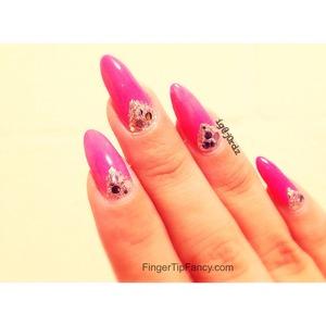 DETAILS HERE - http://fingertipfancy.com/pink-silver-v-deep-french-nails