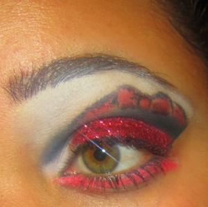 red glitter - Micabella cosmetics / MICA beauty cosmetics  inner corner - Mac's pressed eyeshadow in Gesso