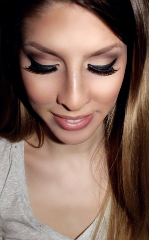 Adele Inspired Look requested by Marla Tutorial Here: http://www.youtube.com/watch?v=xWKC_DOUOS4