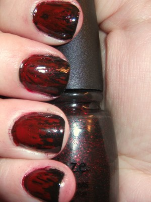 ChG Lubu Heels and OPI Big Apple Red come together to make an edgy, VAMPy mani ;)