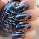 Sally Hansen Diamond Strength #470 Black Tie