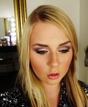 Cranberry Cut Crease! Here's my tutorial! http://www.youtube.com/watch?v=4obOloM7-Ak  Like me on Facebook! http://www.facebook.com/pages/Makeup-Is-Art/455624517797347