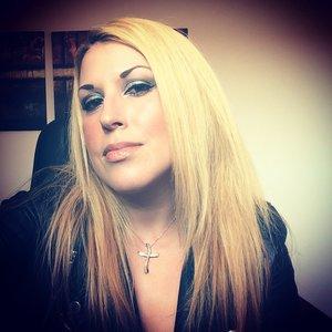 CT Wonderglow, Light Wonder Foundation #4, powder Light, Blush first love,Filmstar Bronze& glow ,Feline flick eyeliner, Rock n kohl bedroom black,K.i.s.s.i.n.g lipstick Nude Kate, Lacquer Blondie 😜