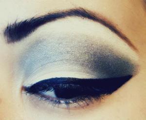 Grey Smokey Eye with intense black liquid liner!