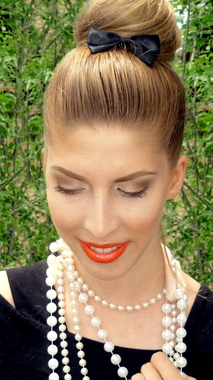 My modern Audrey Hepburn look using coral lip color from Sephora