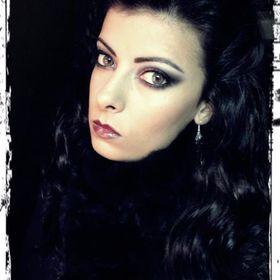 Vampy and Dark Vintage Makeup