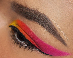 Blog Post: http://www.naturallyerratic.com/2014/05/bright-springsummer-makeup.html