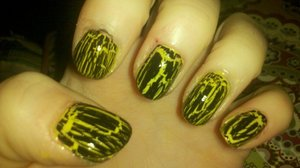 "My Transformers - Dark of the Moon ""Bumble-Bee"" nails!"
