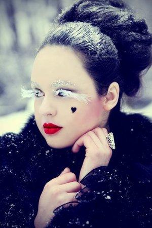 Model - Taida Nazaric // Photo - Nadja Berberovic // Make up - Naida Djekic