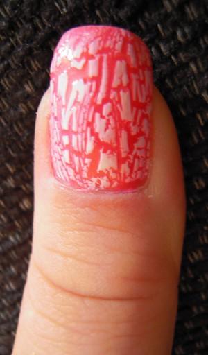 A special nailpolish that cracks my nail.
