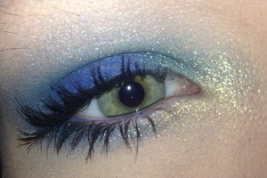 Urban Decay The Vice Palette: Chaos, Junkie, Laced, Anonymous, and Blitz  On top of Maybelline Color Tattoo in Ready, Set, Green: Chaos patted in the center of the lid and around the eye Junkie in the crease and all the way around the eye Laced above the crease to blend out Anonymous to highlight Blitz in the inner corner Navy blue eyeliner on the top waterline and outer half of the bottom Two coats of black mascara   http://pinterest.com/hellobbail/ http://hellobbail.blogspot.com/