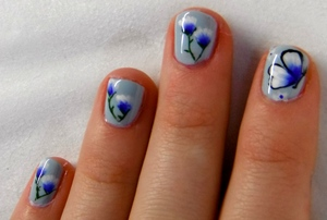 Just some nail art I did the other day! Excuse my super short nails! xx