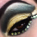 Yellow teal cut crease