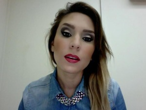 Hello! This is one of my fave looks.. I did half a smokey eye and a bright glossy lip combo.. Hope you like!