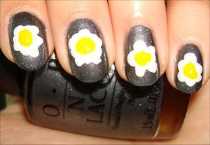 Fried Egg Nails Nail tutorial & more photos here: http://www.swatchandlearn.com/nail-art-tutorial-fried-egg-nails/