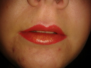 Maxfactor Flipstick Colour Effect in Gypsy Red 30. Use gold side, cover lips. use red side, carefully line the edge of your lips then slightly blend it midway into the gold.
