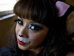 Halloween pin-up kitty cat makeup tutorial