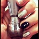 Gold Nails 🌟😳