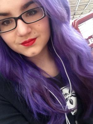 Manic panic ultra violet hair dye, Riri woo and simple black eyeliner :)