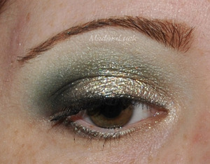 smokey christmas eye makeup