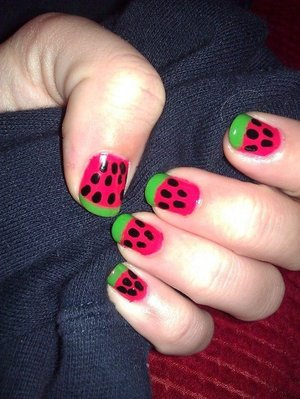 I know this is more summery, but I love warm weather! Having this design on my nails just makes me think of summer!