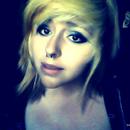 Piercings and smokey eyes♥