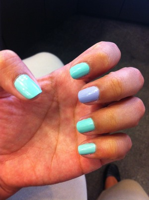 I issue Essie HANDS DOWN I love the spring colors