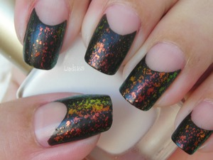 Wet n Wild - Black Creme Sally Hansen - Hidden Treasure Rimmel - Pro Matte Finish