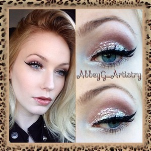 A neutral eye with a touch of sparkle