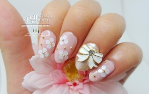 Pink Nail art! I have more beautiful pictures of pink nail polish. Enjoy it!   check it at http://saranail.blogspot.com/