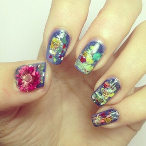 impressionist nail art with dried flowers