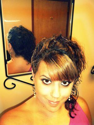 easy side ponytail up do