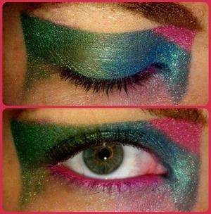 Bright Colors;Bold Shape